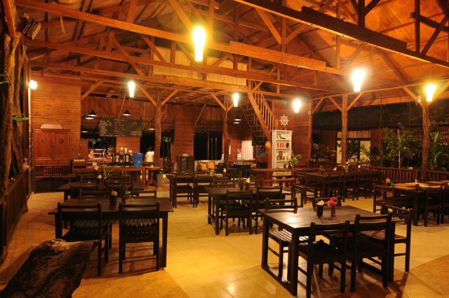 Kadiridi Paradise's restaurant